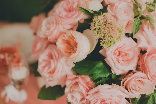 Garden Rose Centerpiece- Cristina Navarro Photography