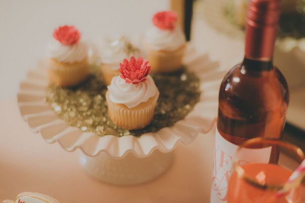 Wedding Cupcakes - Cristina Navarro Photography