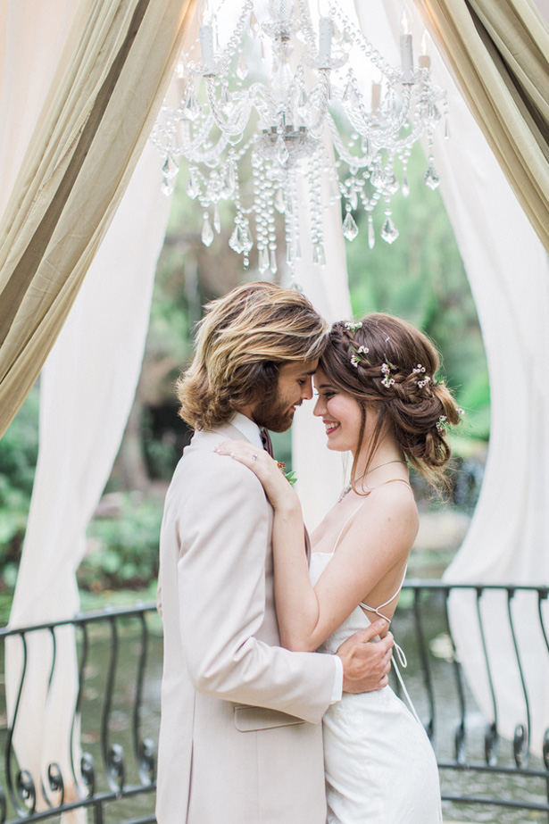 Boho Bride and groom - Lucas Rossi Photography