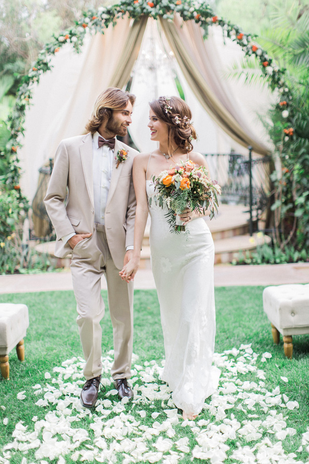 Bohemian wedding inspiration with a touch of vintage glam belle boho wedding lucas rossi photography junglespirit Choice Image