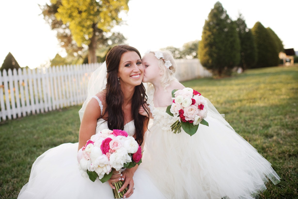 Bride and flower girl bouquets - Justin Wright Photography