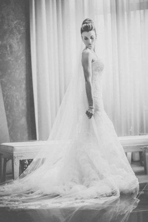 Elegant wedding dress - Kane and Social