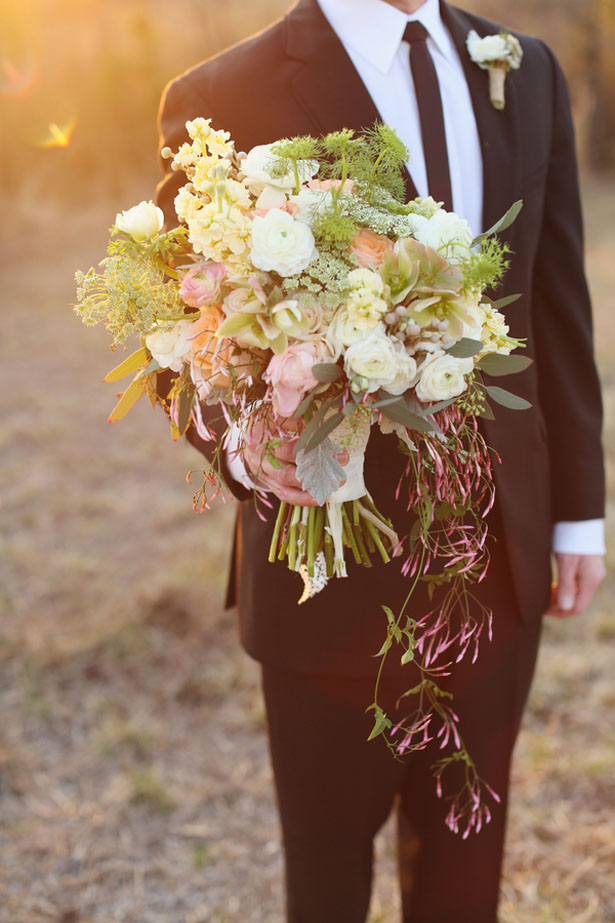 Rustic cream wedding bouquet - j.woodbery photography