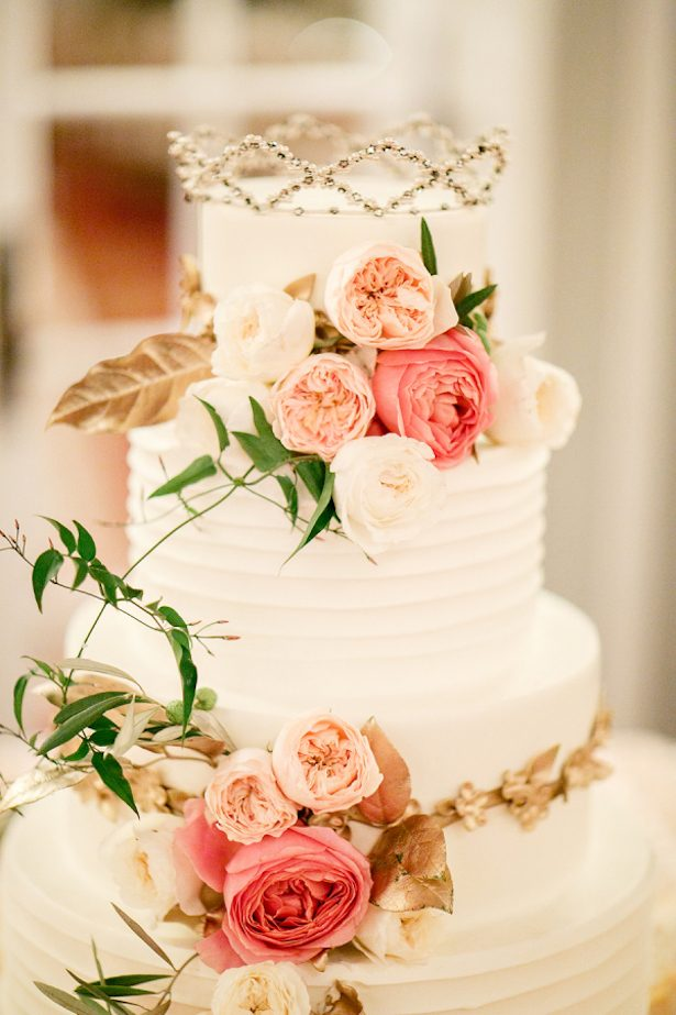 Romantic Floral Wedding Cake - Photography: Kina Wicks