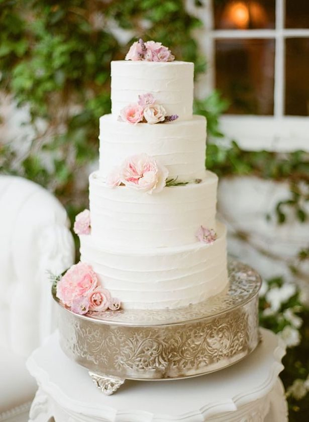 Romantic Floral Wedding Cake - Photograpy: KT Merry