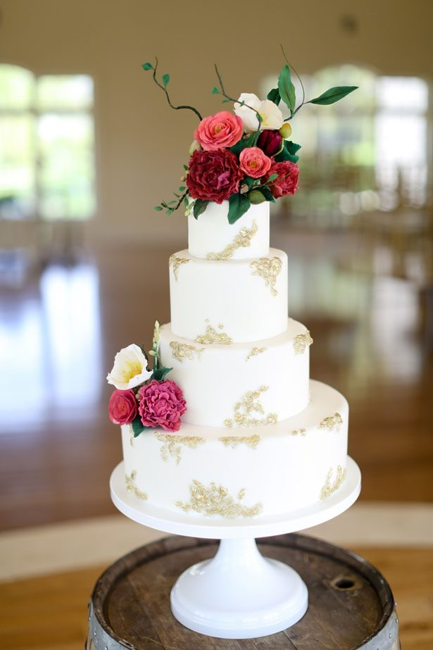 Beautiful wedding cake - Sarah Goodwin Photography