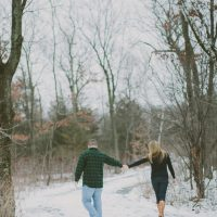 Beautiful winter engagement - Shaunae Teske Photography