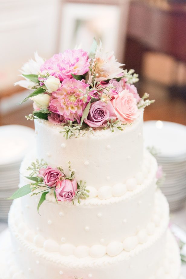Floral wedding cake - Christa Rene Photography