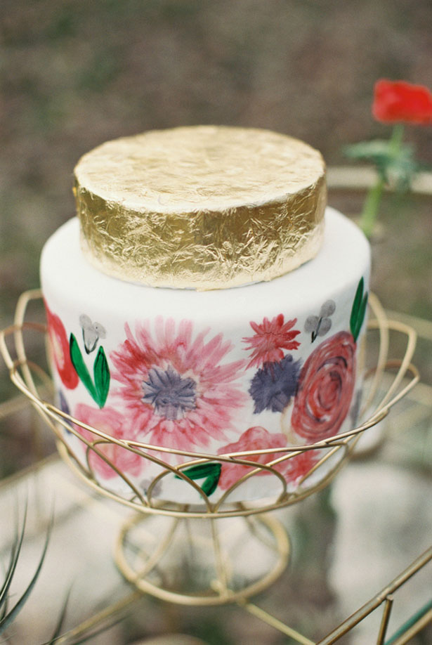 Gold wedding cake - Sharon Nicole Photography