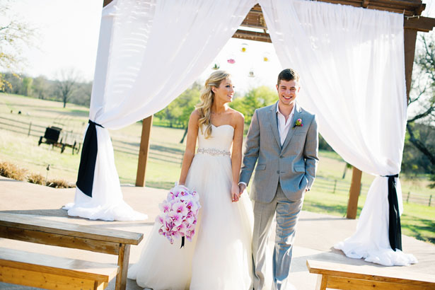 Outdoor wedding ceremony- Jenna Leigh Wedding Photography