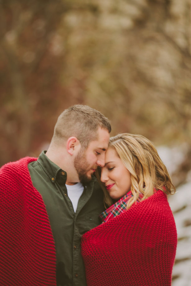 Sweet engagement photo - Shaunae Teske Photography
