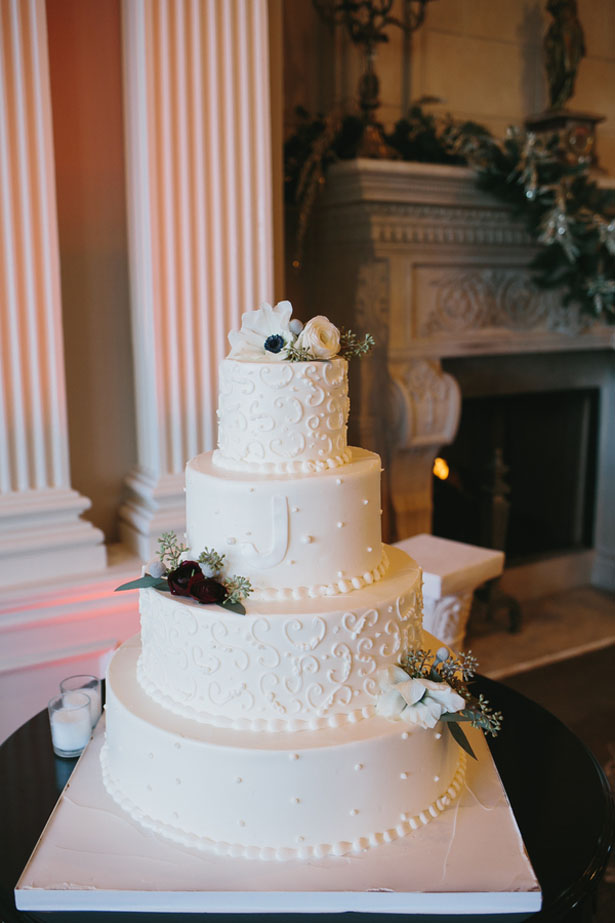 Winter wedding cake - OLLI STUDIO