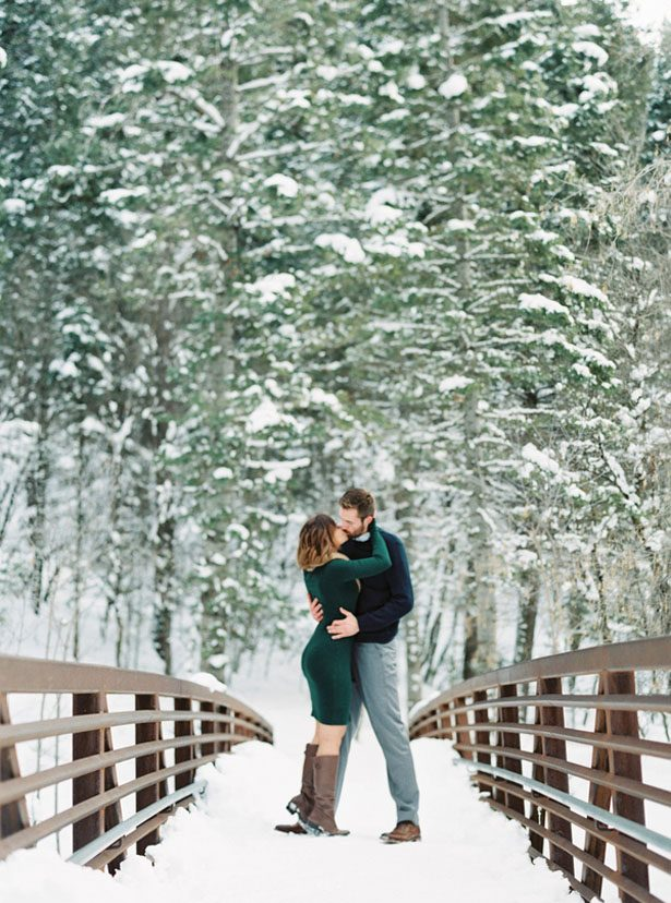 Winter engagement picture ideas - Mallory Renee Photography