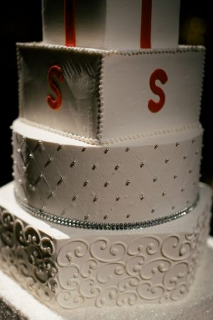 Beautiful wedding cake - Jennifer Van Elk Photography