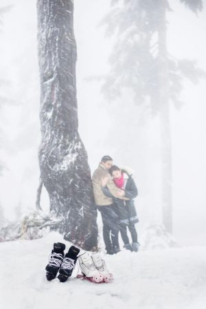 Winter engagement ideas - L'Estelle Photography