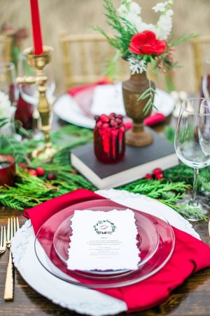 Beautiiful wedding table arrangement - Dani Cowan Photography