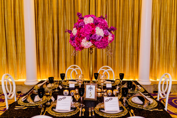 Black and gold wedding table sett