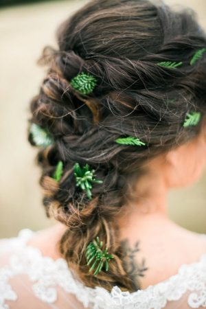 Bridal hair accessories - Dani Cowan Photography