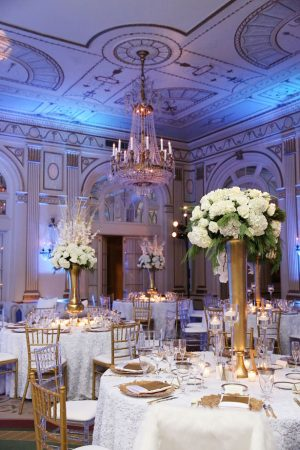 Classic wedding decorations - BLUE MARTINI PHOTOGRAPHY