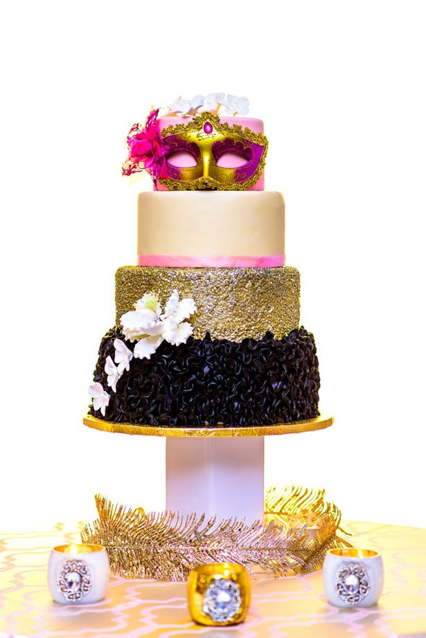 Sequin wedding cake - Kirth Bobb Photography