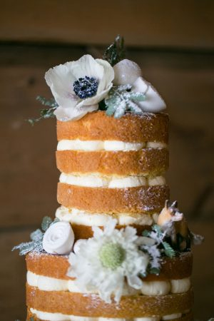 Floral wedding cake - Erin Johnson Photography