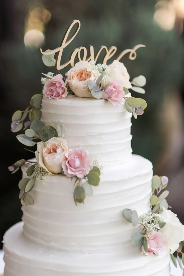 uptown grocery wedding cakes 20 floral wedding cake ideas to add a dose of to 21507