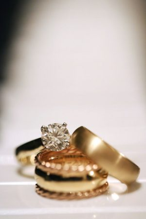 Gold wedding rings - BLUE MARTINI PHOTOGRAPHY