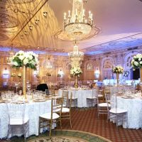Gold wedding table arrangements - BLUE MARTINI PHOTOGRAPHY