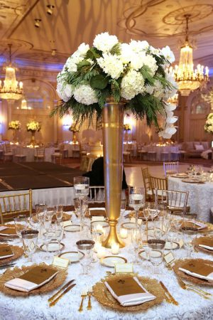 Gold wedding tablescape - BLUE MARTINI PHOTOGRAPHY