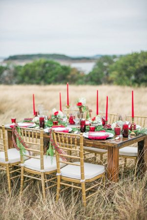 Holiday wedding tablescape - Dani Cowan Photography