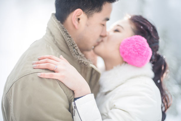 Snow Storm engagement picture - L'Estelle Photography