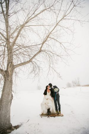 Snow wedding pictures - Erin Johnson Photography