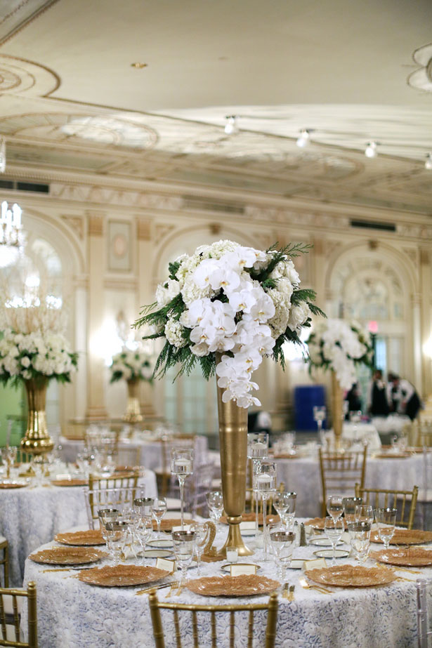 Tall wedding centerpieces - BLUE MARTINI PHOTOGRAPHY