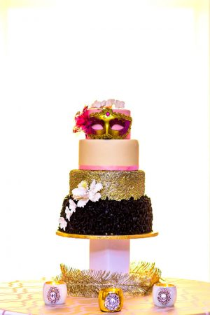 Wedding cake ideas - Kirth Bobb Photography