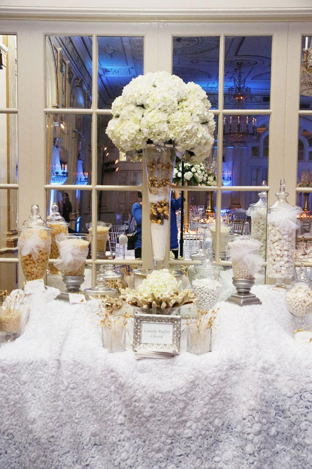 Wedding candy table ideas - BLUE MARTINI PHOTOGRAPHY