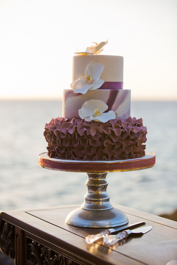 Purple wedding cake - Manuela Stefan Photography