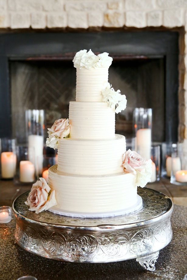 Beautiful wedding cake - HydeParkPhoto