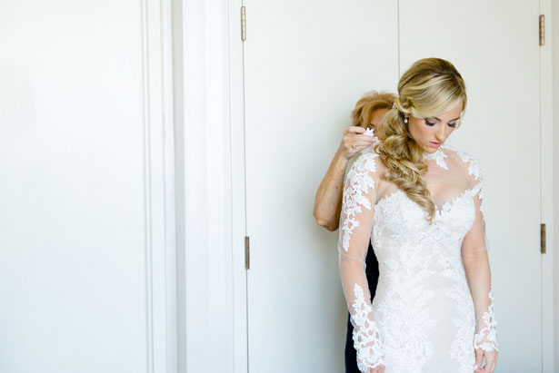 Bridal prep photos - Mark Eric Weddings