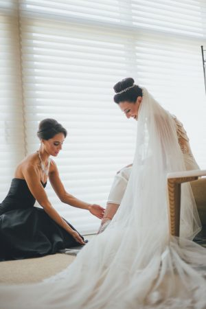 Bridal prep photos - OLLI STUDIO