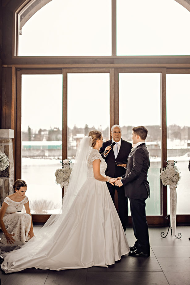 Wedding ceremony picture - Melissa Avey Photography