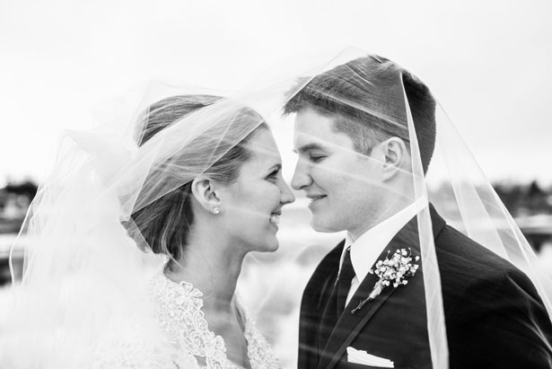 Bride and groom photo ideas - Melissa Avey Photography