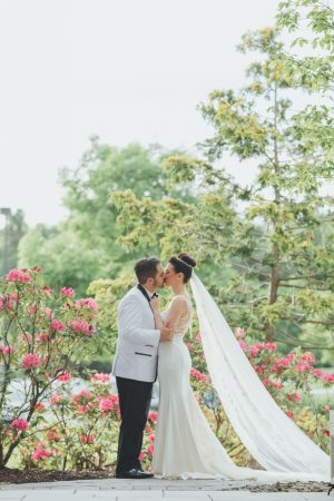 Cute outdoor wedding photo - OLLI STUDIO