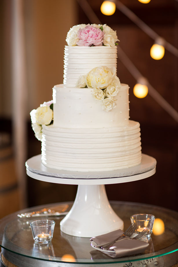 Elegant wedding cake - Three16 Photography