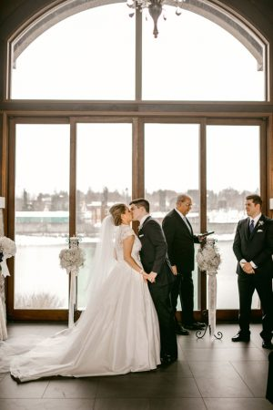 First wedding kiss - Melissa Avey Photography