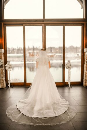 Gorgeous bridal picture - Melissa Avey Photography