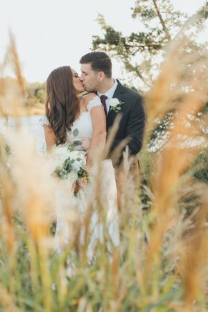 Gorgeous bride and groom photos - OLLI STUDIO