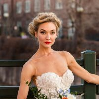 Outdoor bridal picture ideas - Aldabella Photography