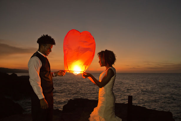 Lantern Release wedding ideas - Manuela Stefan Photography