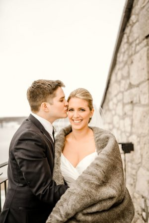 Winter wedding picture ideas - Melissa Avey Photography