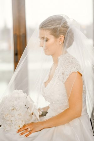 A Timeless All-White Winter Wedding filled with Elegance and a Touch ...